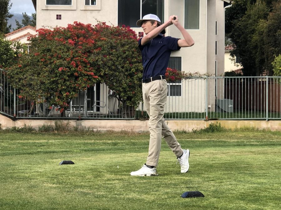 Sophomore+Gavin+Reaksecker+delivers+a+driver+shot+on+the+fifth+hole.+Though+he+expressed+difficulty+with+putting%2C+Reaksecker+believes+driver+shots+were+his+strength+throughout+the+match.+%0A